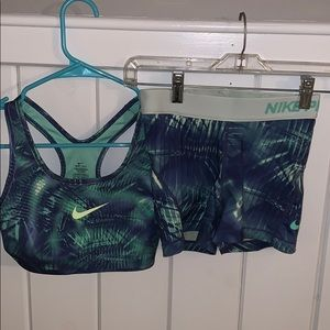 Womens matching Nike Pro set
